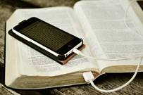 bible-with-phone